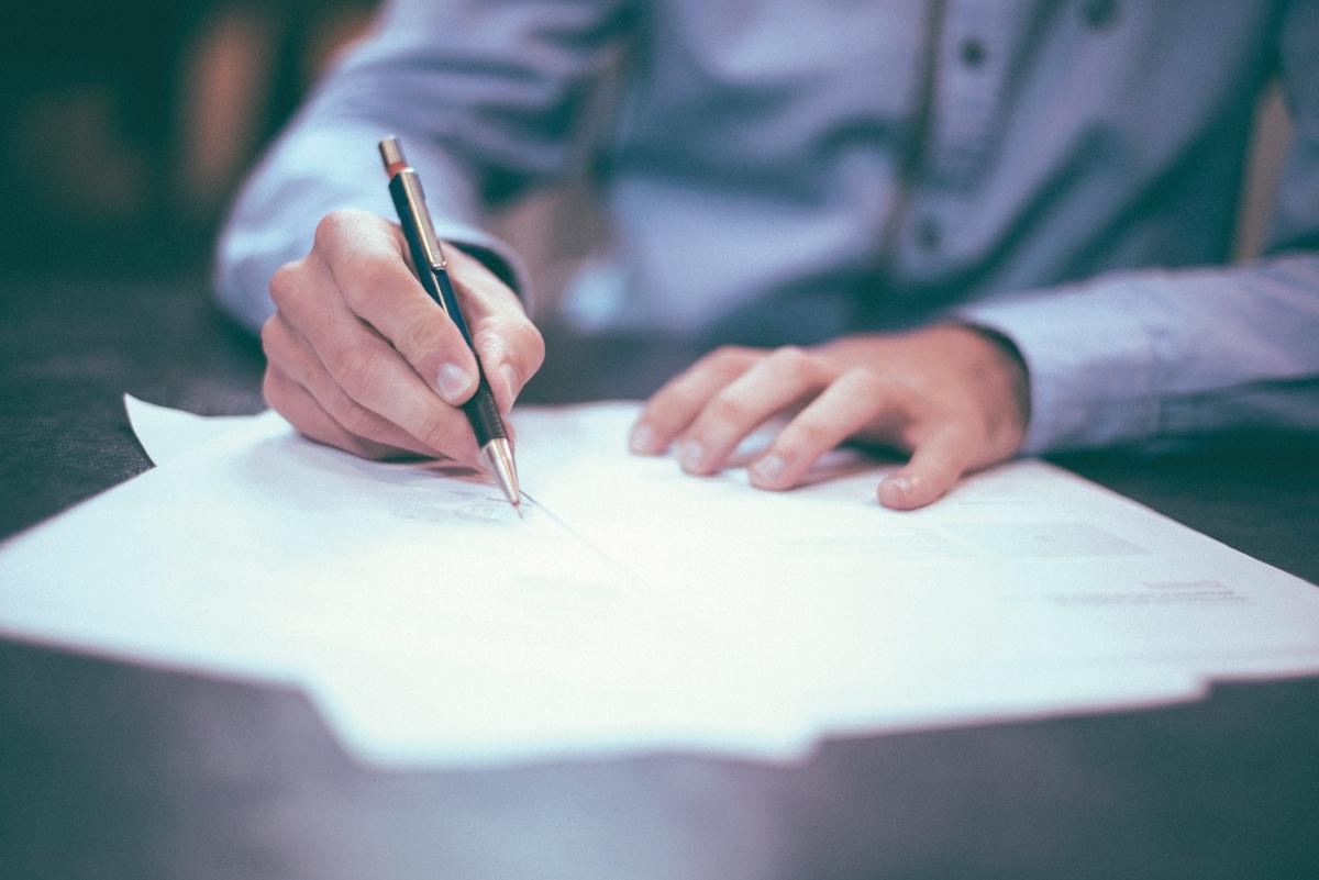 SEDIAKAN dokumen berkaitan untuk elakkan perkara berbangkit. - FOTO Google