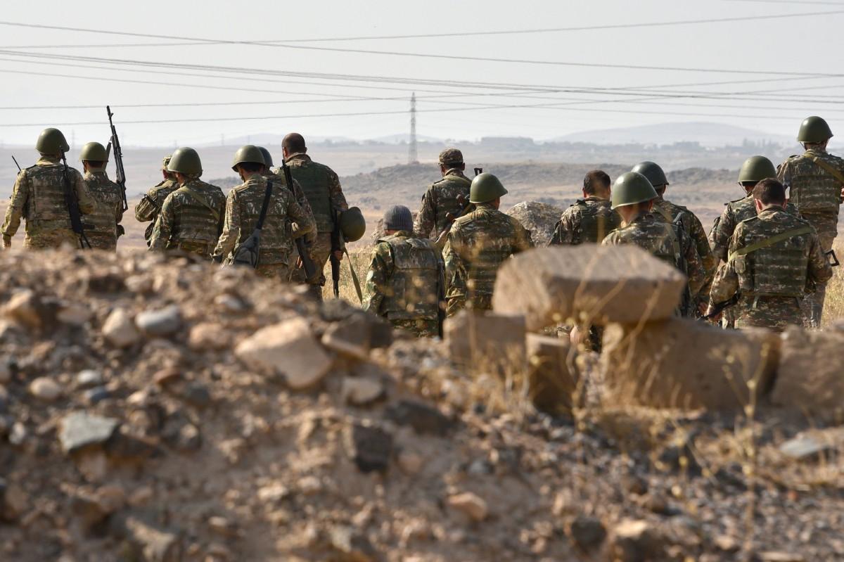 PASUKAN askar simpanan Armenia pada sesi latihan sebelum menyertai tentera barisan hadapan di Nagorno-Karabakh. FOTO AFP