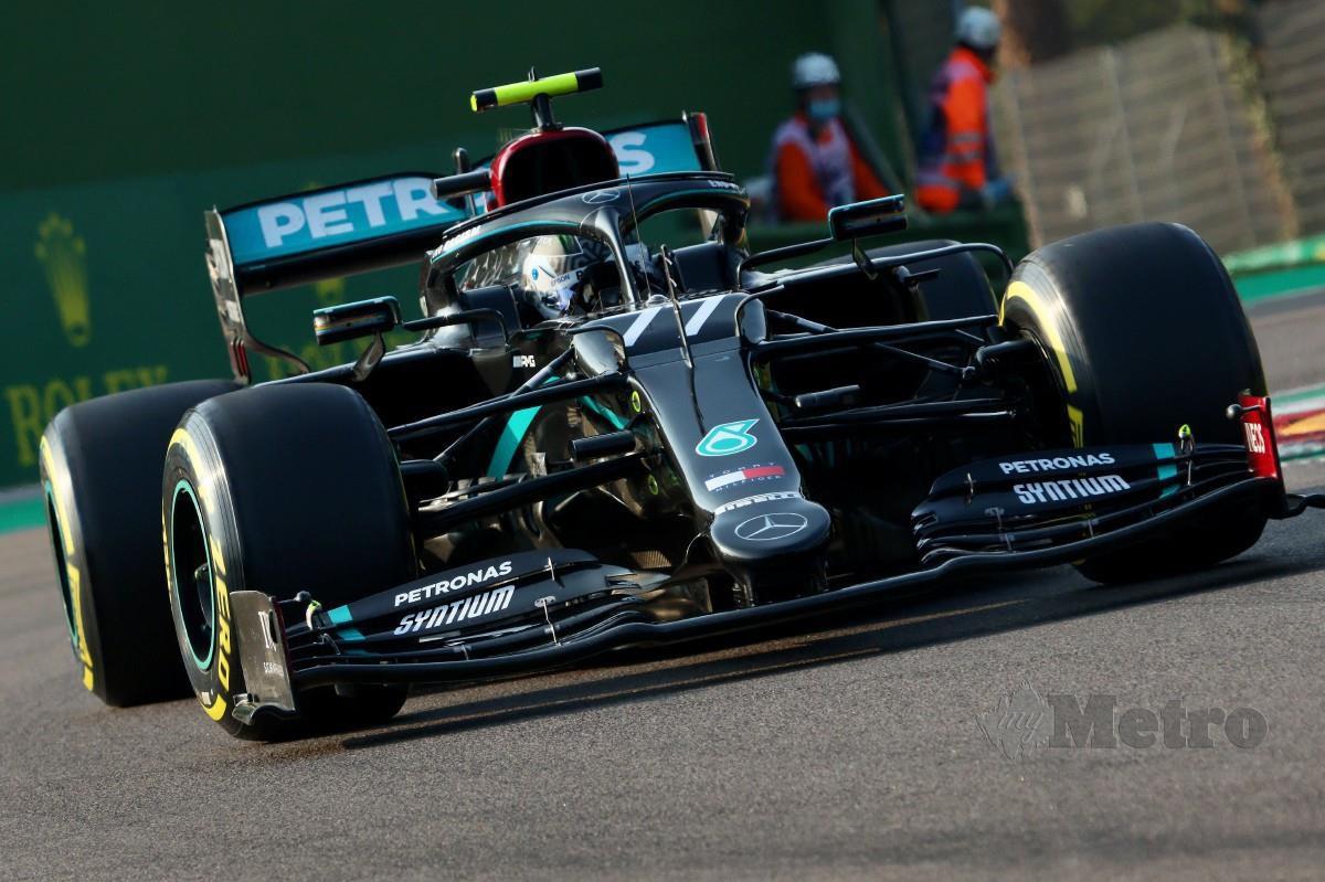 Pelumba Mercedes, Valtteri Bottas mengatasi rakan sepasukannya pada sesi kelayakan GP Emilia Rogmagna Itali. FOTO AFP