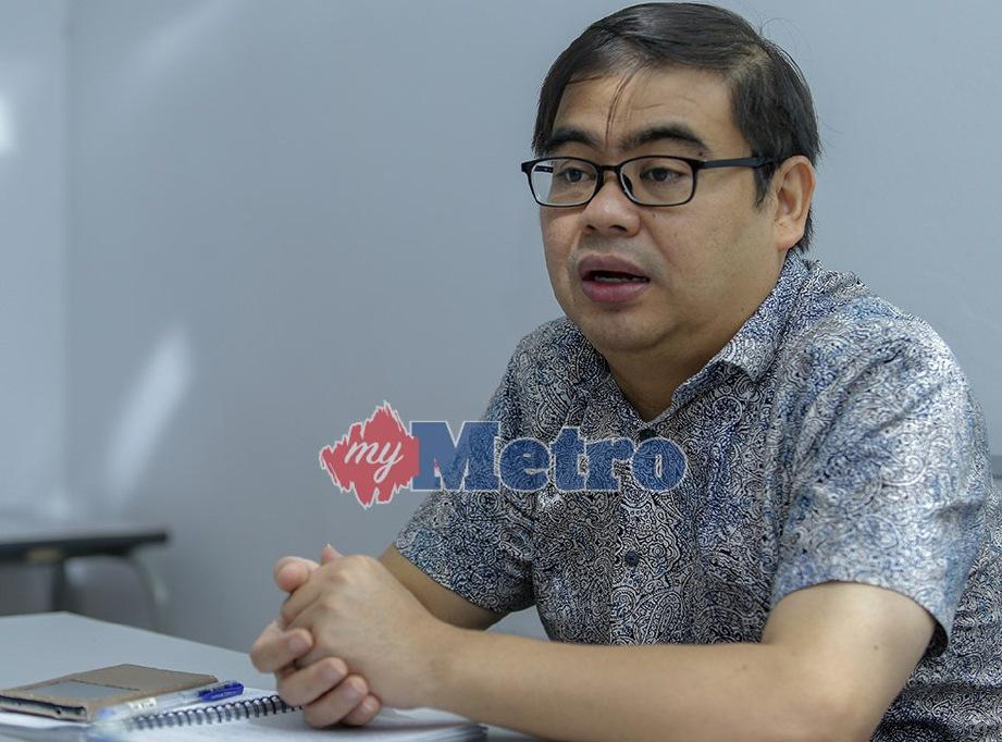 PENGANALISIS politik dari Universiti Malaya (UM) Prof Madya Dr Awang Azman Awang Pawi. FOTO Aziah Azmee