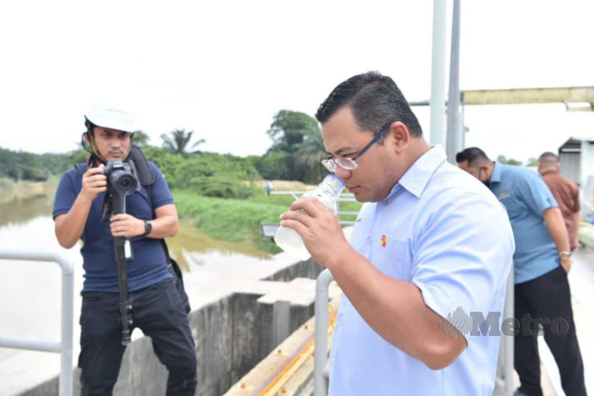 Amirudin dijangka mengumumkan penyelesaian jangka pendek dan panjang isu air di Selangor petang ini. FOTO Facebook Amirudin Shari