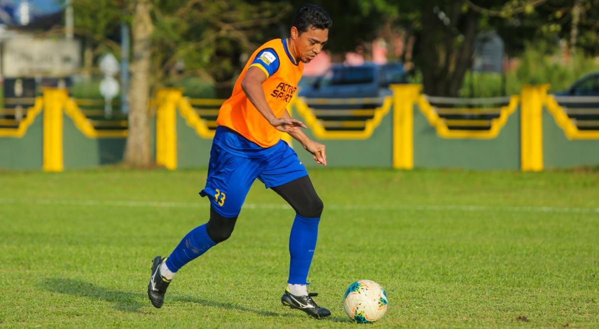 AZMI akui pasukannya dan jurulatih sudah bersedia dengan segala program latihan atas talian setiap hari. FOTO Ihsan Penang Football Club