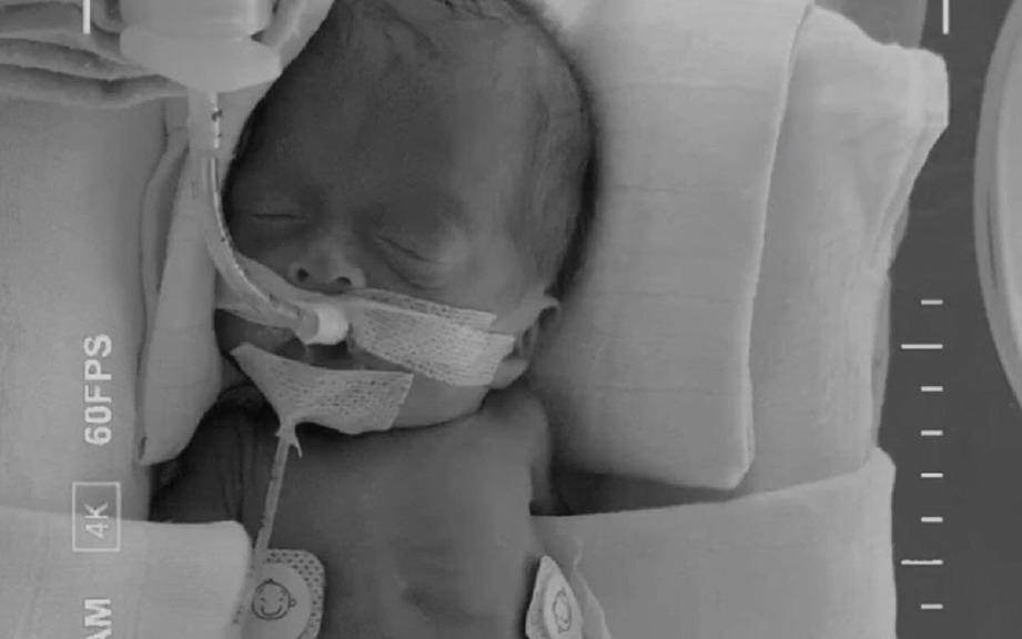 DANIAL Firman atau Baby D dilahirkan pada 27 September lalu. FOTO ihsan IG Abby dan Faizal