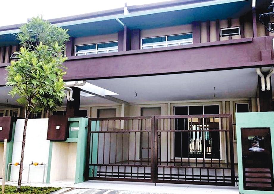 RUMAH teres dua tingkat yang mula didiami oleh Mohd Sha Affandi Md Aripin yang dibeli pada harga RM468,000.