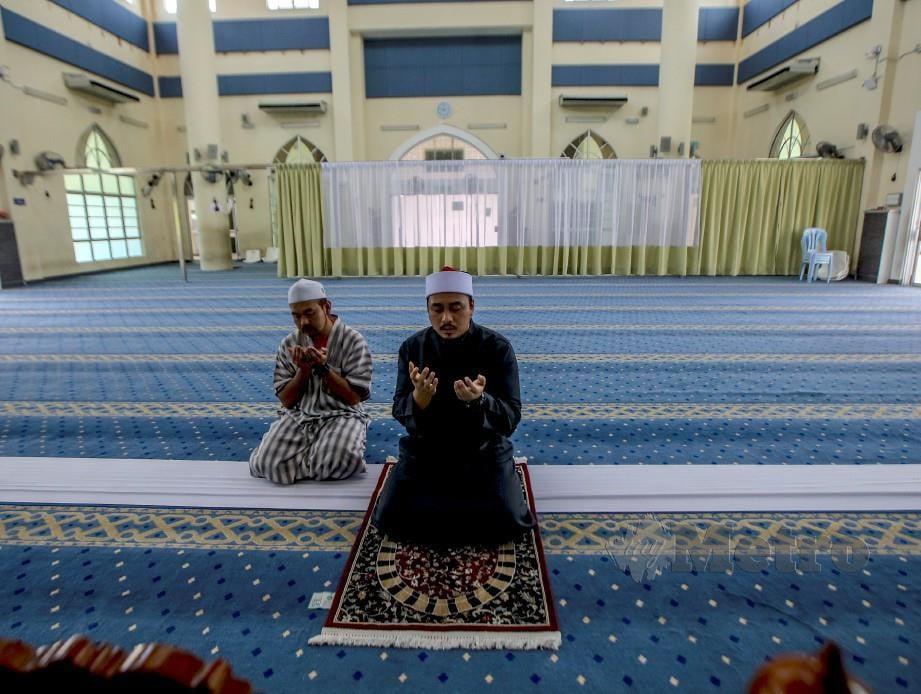 SOLAT Jumaat, berjemaah, Tarawih dan aktiviti masjid dan surau ditangguhkan seluruh Johor. FOTO NSTP