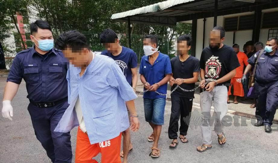TERTUDUH kes dadah dan PKP dituduh di Mahkamah Majistret Bahau. FOTO Abnor Hamizam