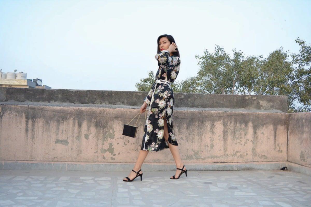 ANTARA gaya moden yang menerapkan elemen kimono.  FOTO: Sumber Google