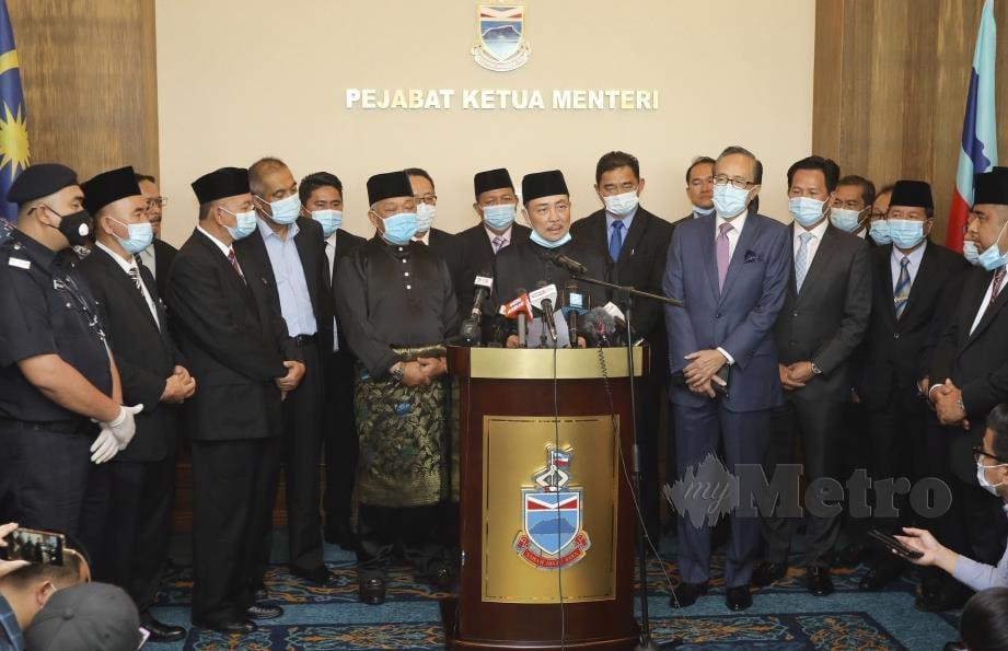 Sidang media Ketua Menteri Sabah, Datuk Hajiji Noor bersama dengan tiga Timbalan Ketua Menteri di Pejabat Ketua Menteri, Pusat Pentadbiran Negeri Sabah. FOTO AZRUL AFFANDI SOBRY