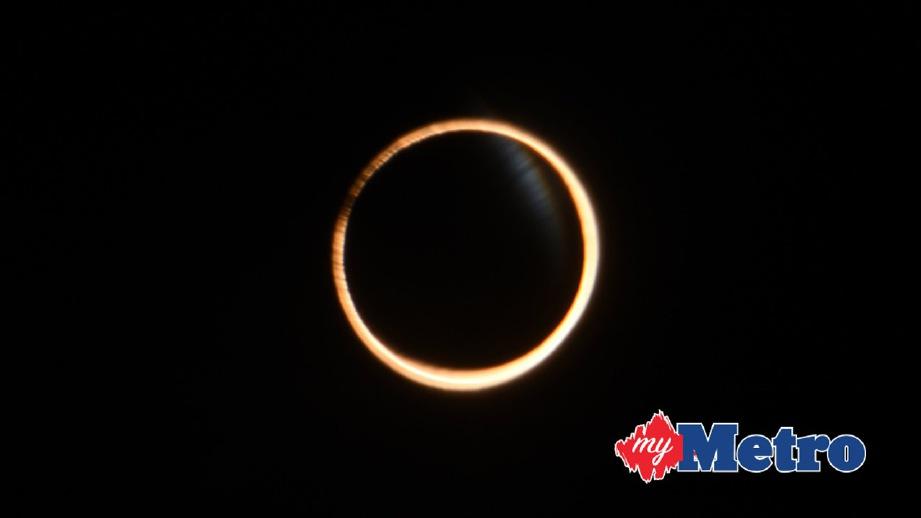 GERHANA matahari anulus kelihatan di Aysen, Chile pada 26 Februari 2017. FOTO EPA