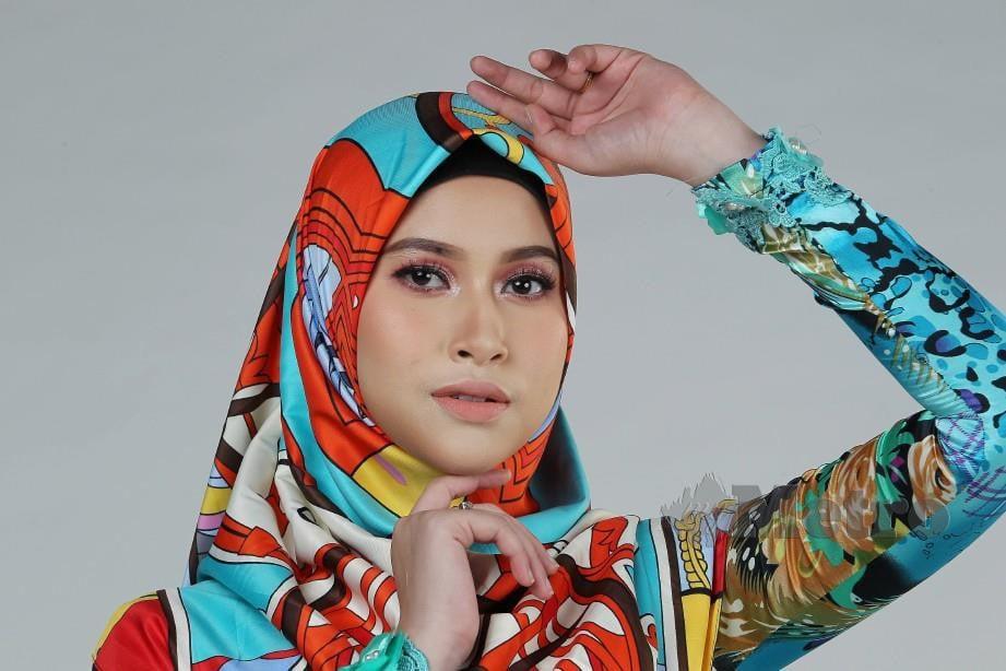 EYRA bersyukur Haziq tidak melarangnya untuk terus bergiat aktif dalam bidang lakonan selepas berkahwin. FOTO Mahzir Mat Isa