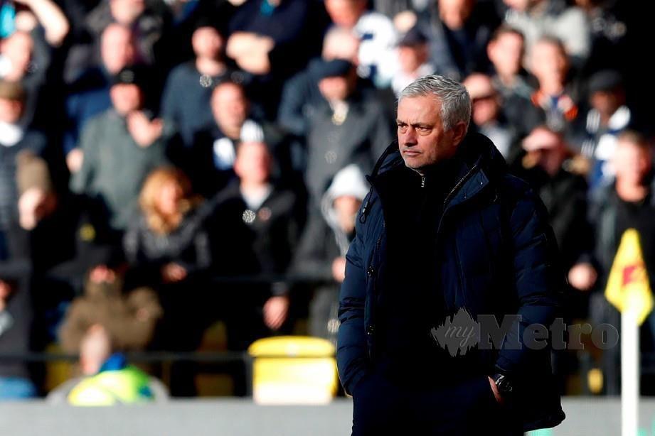 MOURINHO tidak puas hati dengan tindakan Conte. FOTO AFP