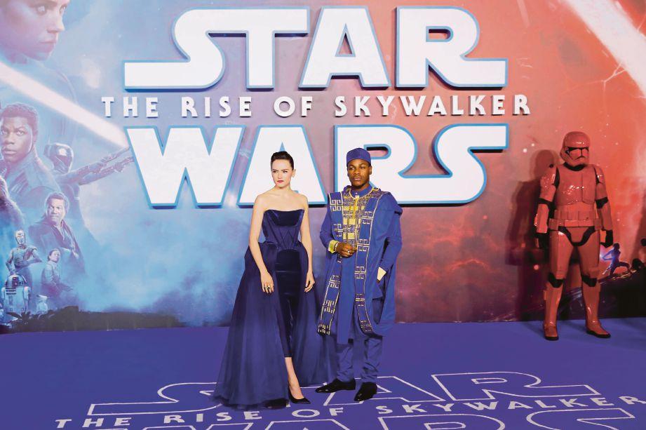 STAR Wars: The Rise of Skywalker berjaya mengumpul kutipan AS$72.4 juta (RM296.3 juta) pada hujung minggu kedua. FOTO: AFP