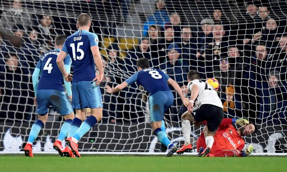 WINKS (tengah) ketika menjaringkan gol Spurs. FOTO/AFP