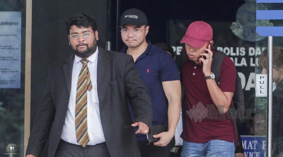 HAZIQ (tengah) diberi tempoh 14 hari untuk menjawab surat tunjuk sebab. FOTO Hafiz Sohaimi.