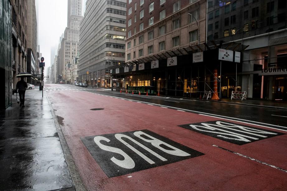 SUASANA di bandar New York, yang lengang susulan perintah berkurung. FOTO Reuters