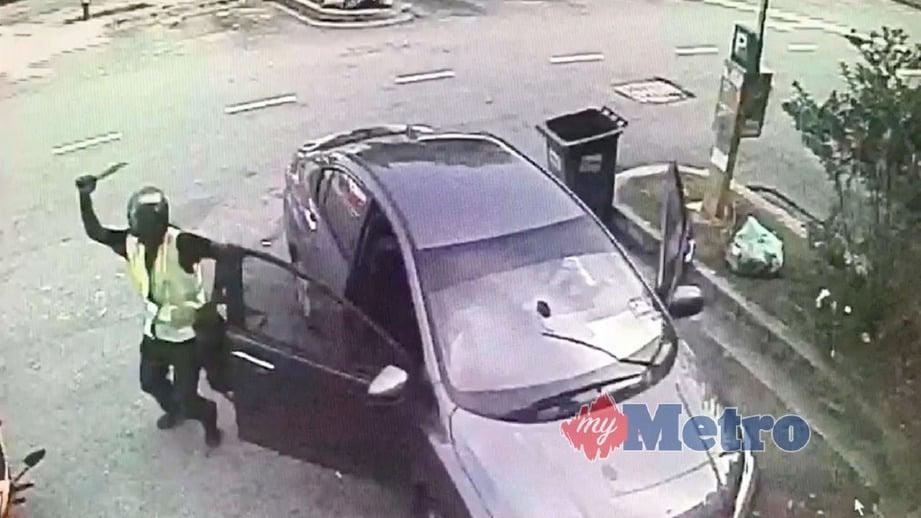 PETIKAN video menunjukkan kejadian samun dan larikan kenderaan di Aman Suria.