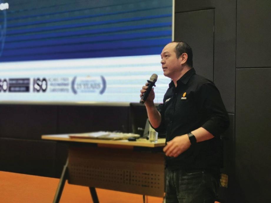 PAKAR Keselamatan Siber, Fong Choong Fook memberi penerangan mengenai kemungkinan serangan siber sepanjang 2020.