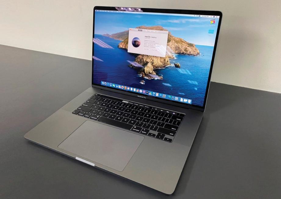 REKAAN MacBook oleh Apple tidak pernah mengecewakan dan ia kelihatan elegan dan premium.