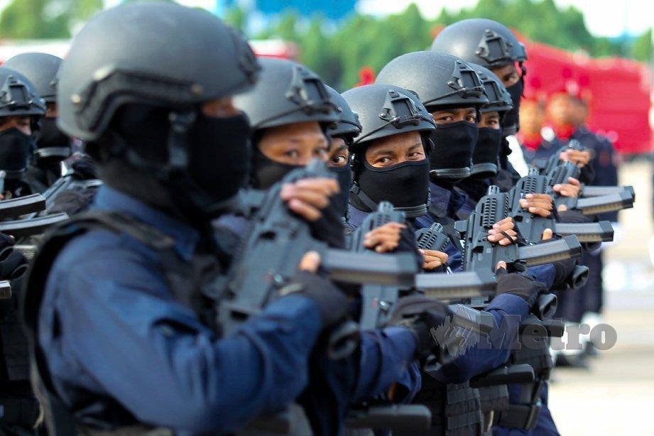 ANGGOTA STAFOC menyertai perbarisan sambutan Hari Polis di Kuala Lumpur, tahun lalu. FOTO arkib NSTP
