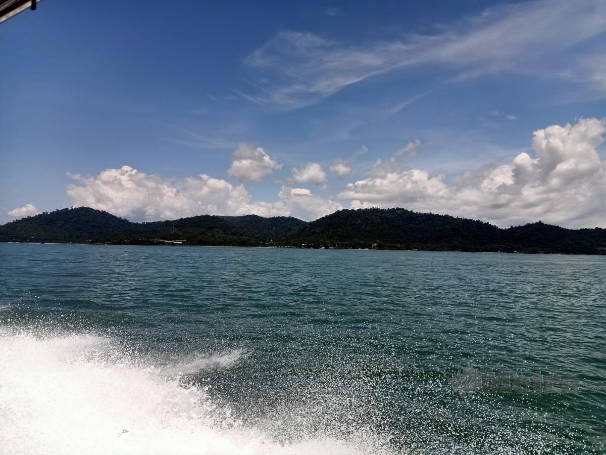 MENYAJIKAN pemandangan Laut Sulu.
