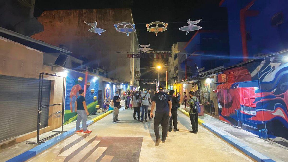 SENTUHAN seni di Street Art 2.0 menghidupkan suasana di Kangar.