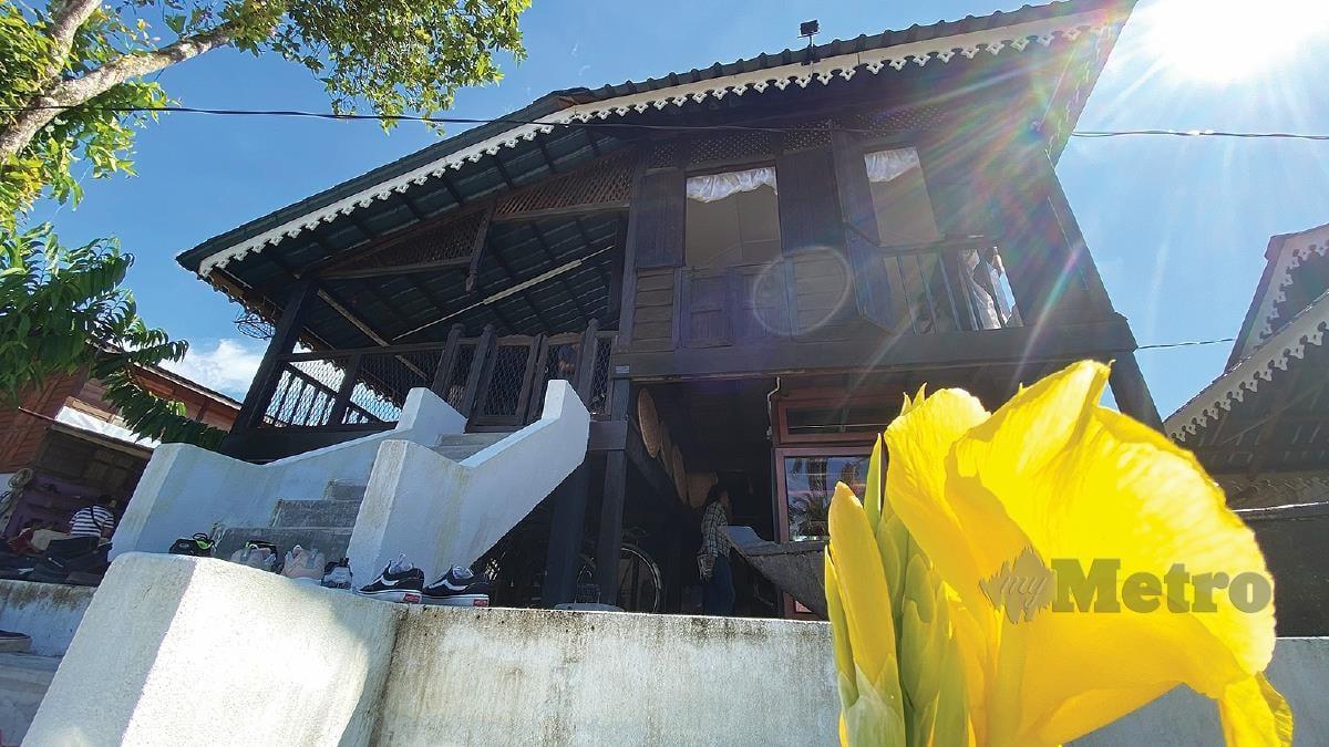 KEDIAMAN pusaka yang dipindahkan dengan kaedah mengusung rumah untuk dijadikan galeri.