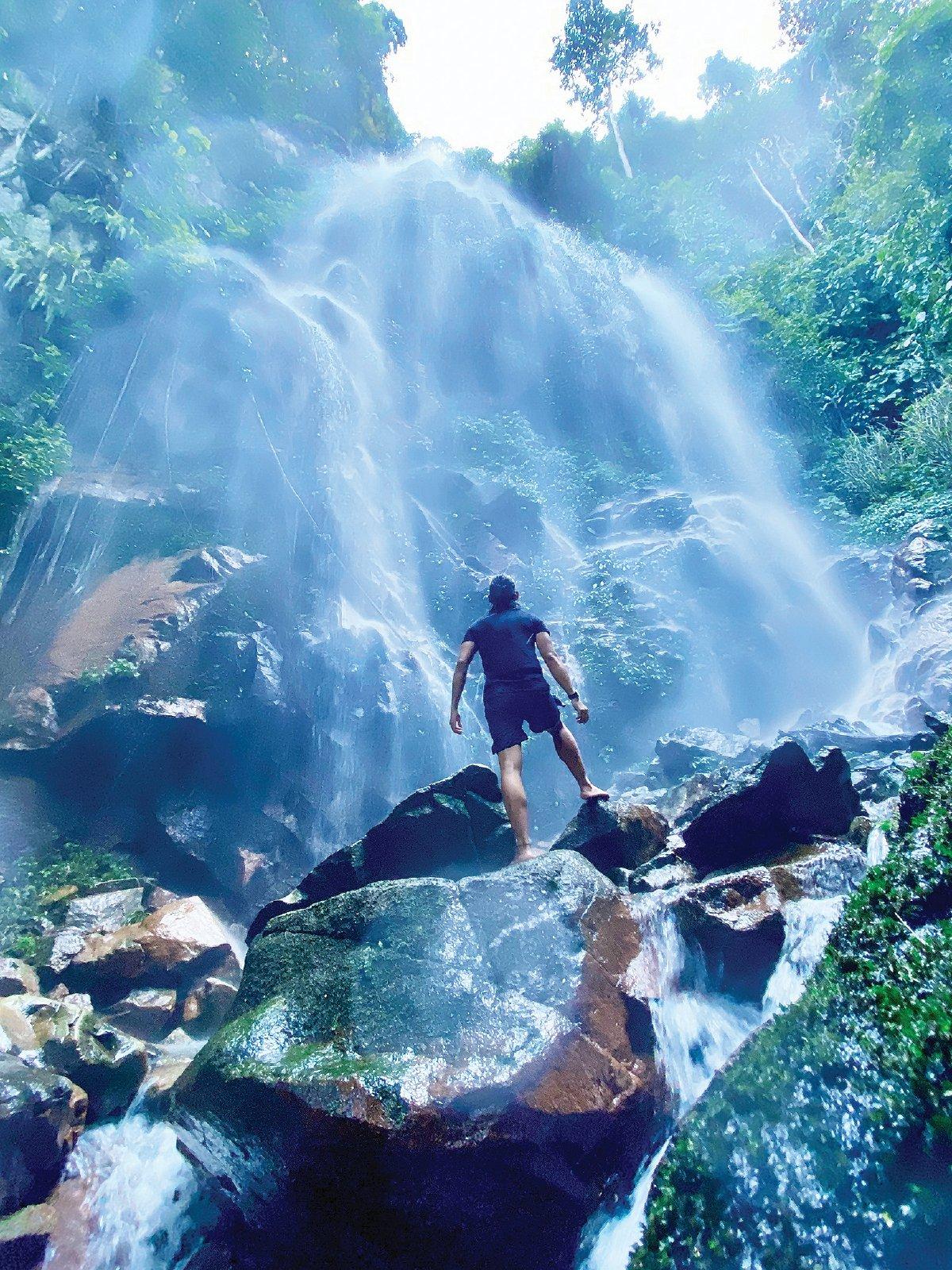PEMANDANGAN Air Terjun Sungai Kooi yang mempersonakan.