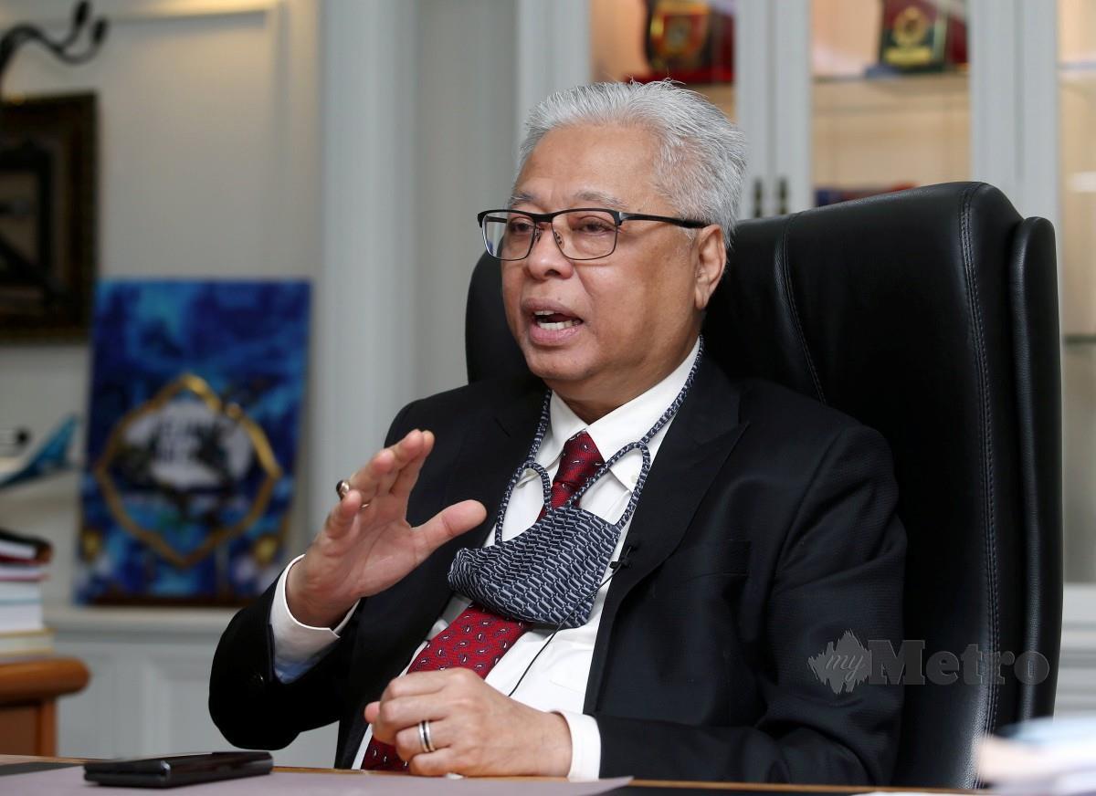 ISMAIL Sabri ketika ditemui di Pejabat Menteri Pertahanan Malaysia, Wisma Pertahanan. FOTO FOTO Eizairi Shamsudin