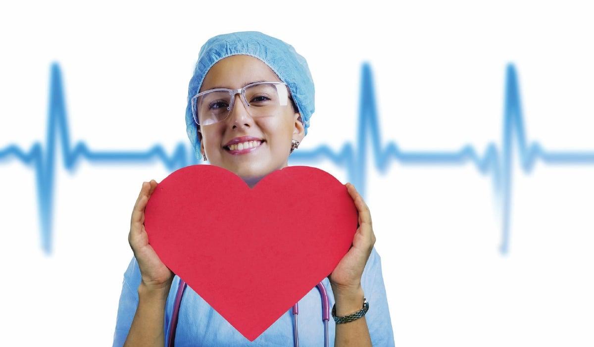 SENTIASA pantau kesihatan jantung.