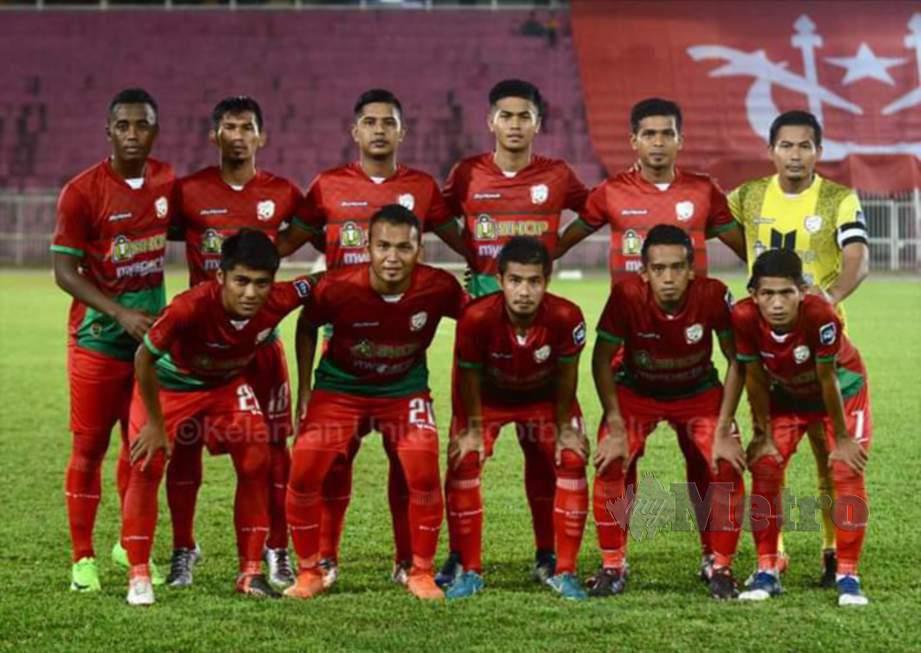 Barisan pemain Kelantan United. FOTO KUFC