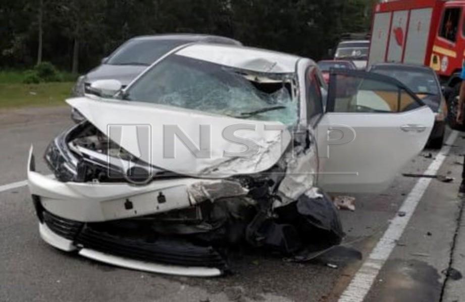 KEADAAN kenderaan yang terbabit dalam kemalangan yang mengakibatkan wanita mengandung maut dalam kejadian di Kilometer 23 Sitiawan - Teluk Intan berhampiran Ladang Arcadia, Sitiawan. FOTO Ihsan Bomba