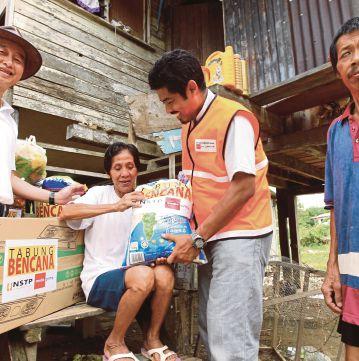 Sukarelawan NSTP-MPB bantu mangsa banjir