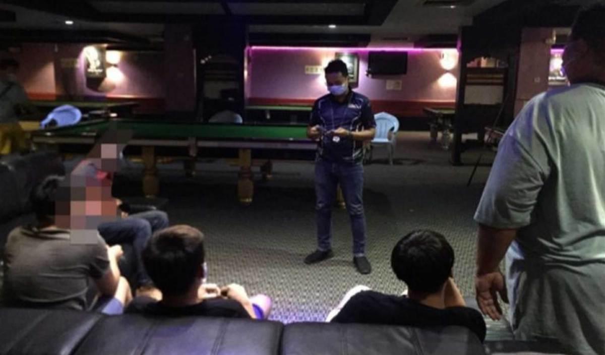 ANTARA individu dikenakan kompaun RM1,000 selepas gagal mematuhi SOP Perintah Kawalan Pergerakan Pemulihan (PKPP) menerusi operasi yang dijalankan di sekitar kawasan Bandar Tenggara dan Taman Kota Jaya, Kota Tinggi. FOTO Ihsan PDRM Johor