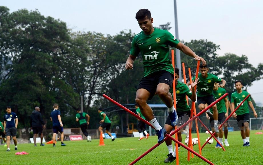 PEMAIN Skuad Harimau Malaya giat berlatih pada sesi latihan skuad kebangsaan di Padang Wisma FAM hari ini.