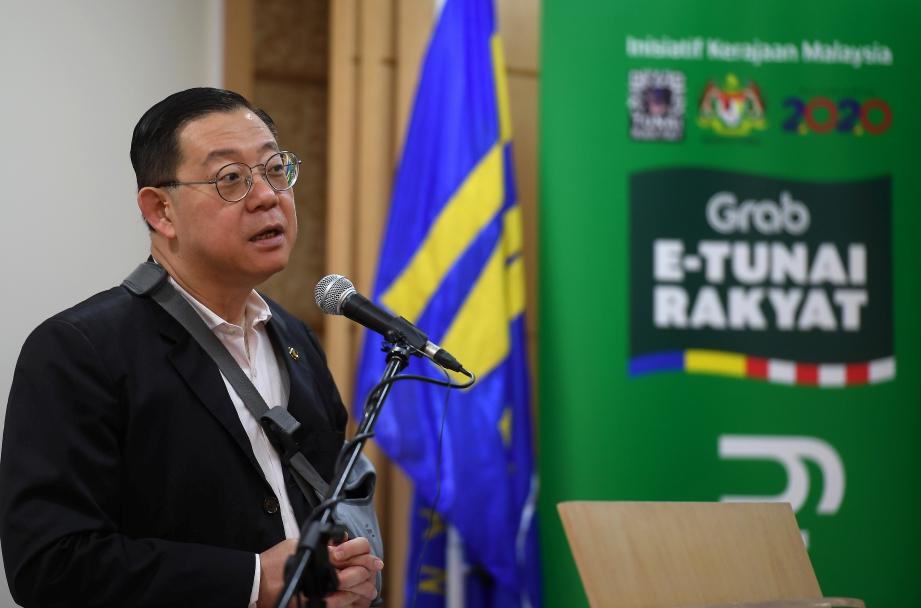 MENTERI Kewangan Lim Guan Eng, megulas kebimbingan kemungkinan maklumat peribadi disalahgunakan oleh pihak ketiga. FOTO BERNAMA