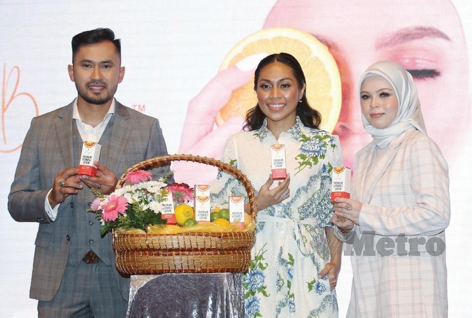 DAYANG dilantik menjadi duta sebuah produk kecantikan. FOTO: Eizairi Shamsudin