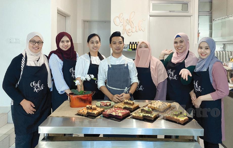 RB bersama pelajar yang mengikuti kelas Chef Kecik Kitchen. FOTO Amiruddin Sahib