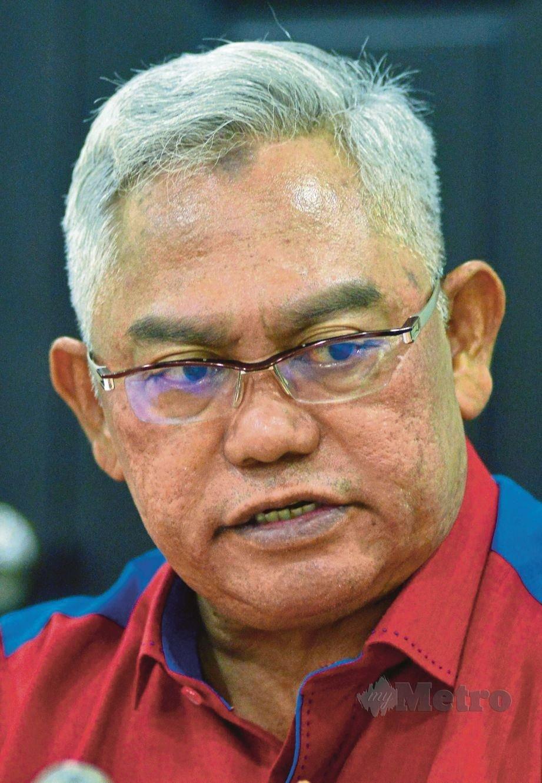 Ahli Parlimen Tanjong Karang Tan Sri Noh Omar.