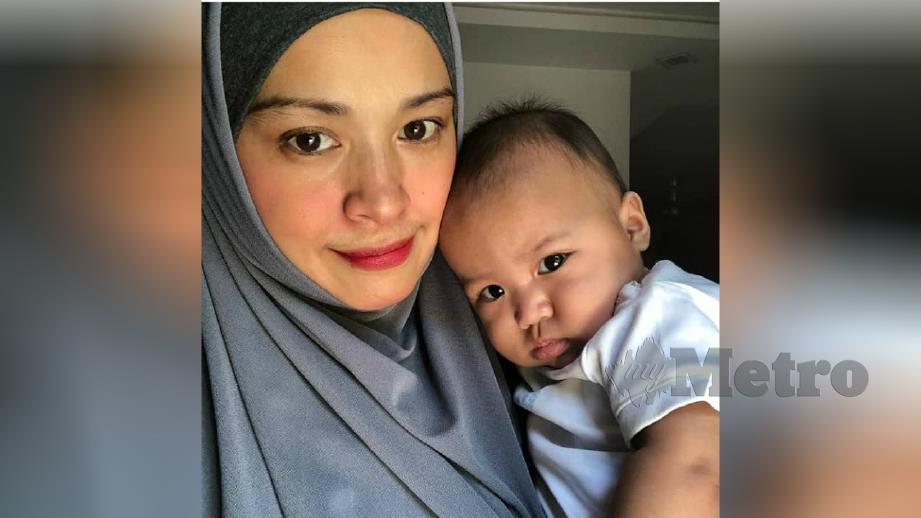 NOORKHIRIAH bersama anak angkatnya, Nur yang baru berusia empat bulan. FOTO Instagram Noorkhiriah
