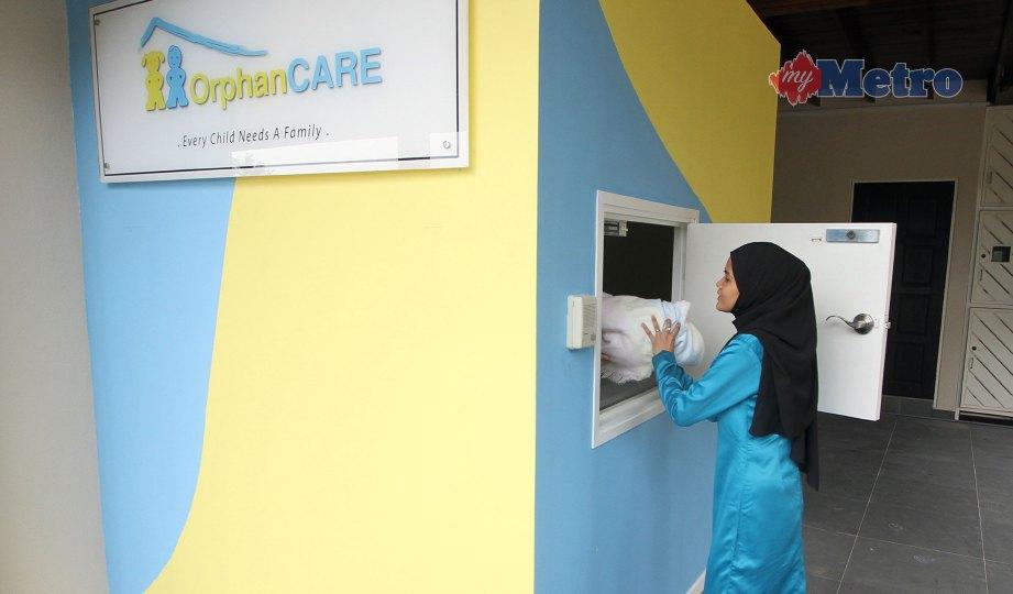 PETI perlindungan bayi Yayasan OrphanCARE di Petaling Jaya. FOTO Supian Ahmad