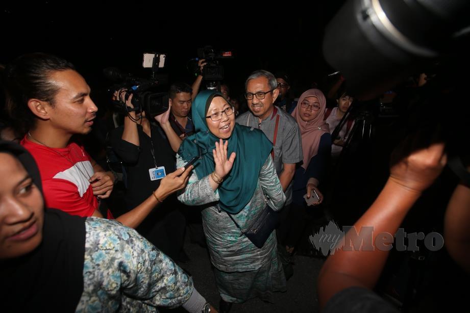 FUZIAH tiba di kediaman Presiden PKR, Datuk Seri Anwar Ibrahim. FOTO Eizairi Shamsudin