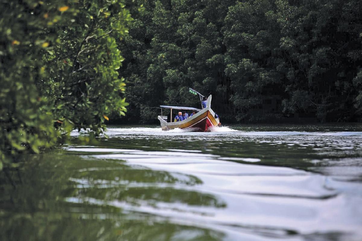 PULAU Tuba memiliki keistimewaan tersendiri untuk dijadikan destinasi pelancongan utama.