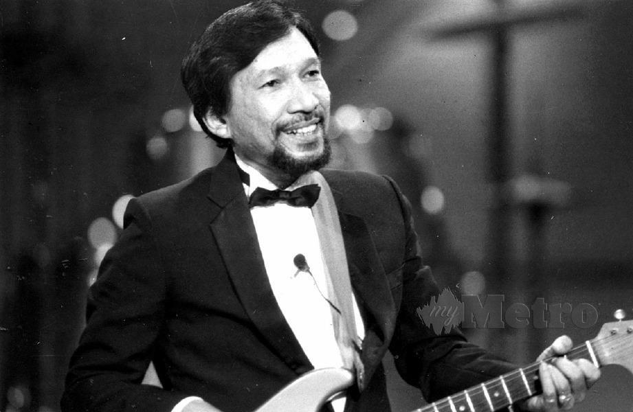 November 1992: A Rahman Hassan, vokalis utama ONJB