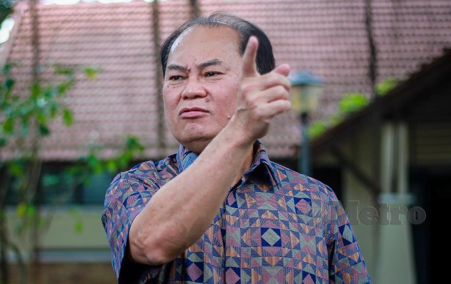 AHLI Dewan Undangan Negeri (ADUN) Sungai Pelek, Ronnie Liu hadir ke Ibu Pejabat Polis Bukit Aman untuk memberi keterangan berkenaan menghadiri majlis memperingati Ulang Tahun Ke-30 Perjanjian Damai Hatyai ditandatangani antara Kerajaan Malaysia dan Parti Komunis Malaya (PKM) pada 2 Disember 1989 di dewan di Kajang. FOTO Asyraf Hamzah