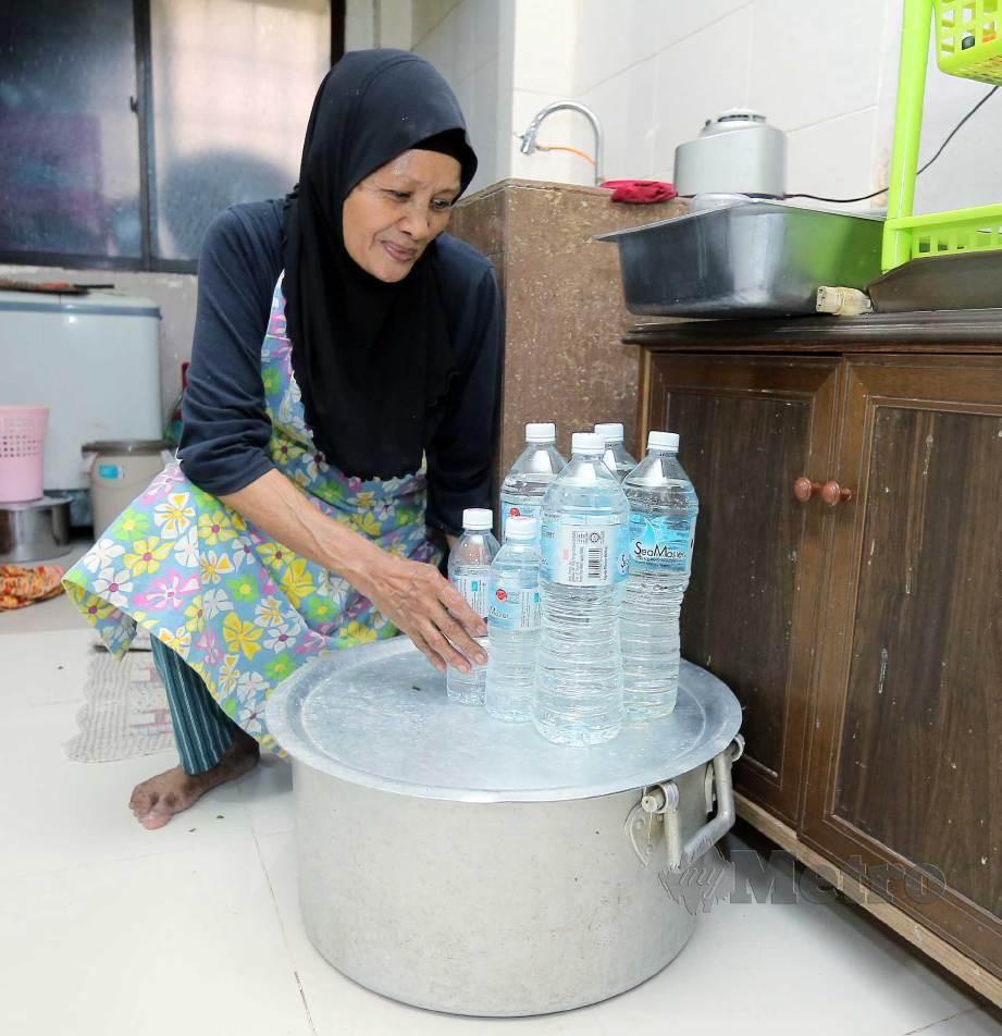 SOFEA menunjukkan bekalan air yang disimpan. FOTO Saifullizan Tamadi