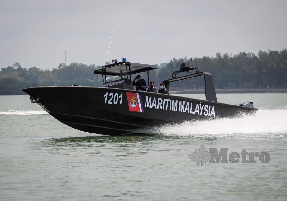 Demonstrasi bot pemintas baharu milik Agensi Penguatkuasaan Maritim Malaysia yang akan memperkukuhkan pengoperasian Op Benteng di sepanjang perairan Selat Melaka. FOTO AZRUL EDHAM MOHD AMINUDDIN