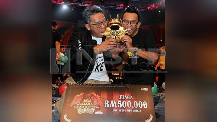 SHIRO bawa pulang wang tunai RM500,000 dan trofi selaku juara Maharaja Lawak Mega 2018. FOTO Saifullizan TAmadi.