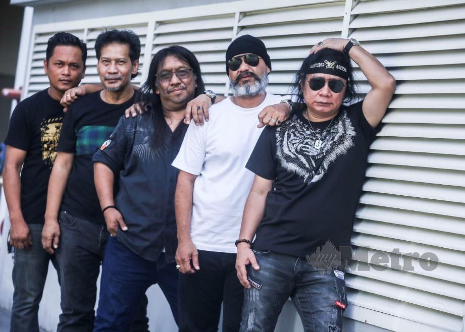 KUMPULAN Bumi Putra Rockers (BPR) pada sidang media Konsert Jelajah 1000 Tahun Takkan Mungkin di Perkarangan Amerin Mall, Balakong.