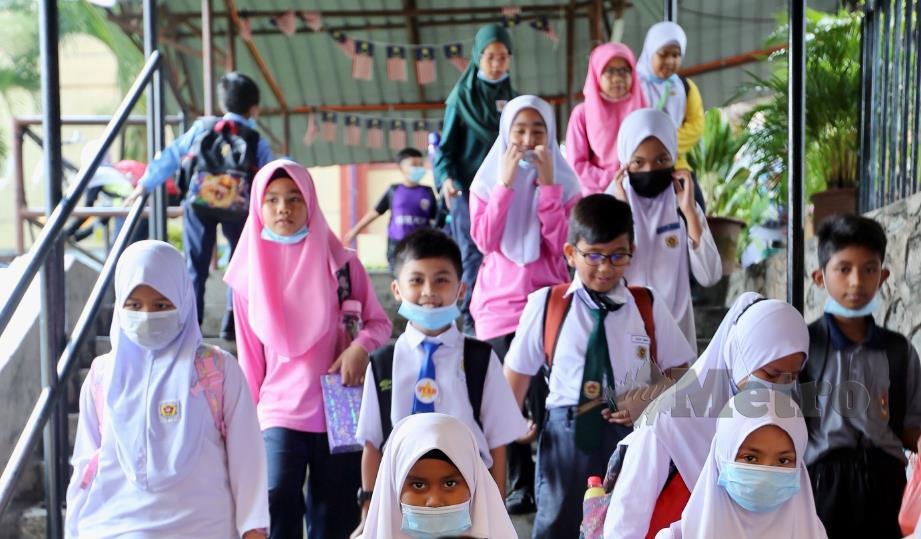 Semua sekolah di daerah Klang, Selangor dan di daerah Sandakan, Papar serta Tuaran, Sabah akan ditutup susulan wabak Covid-19 yang berlaku. FOTO FATHIL ASRI