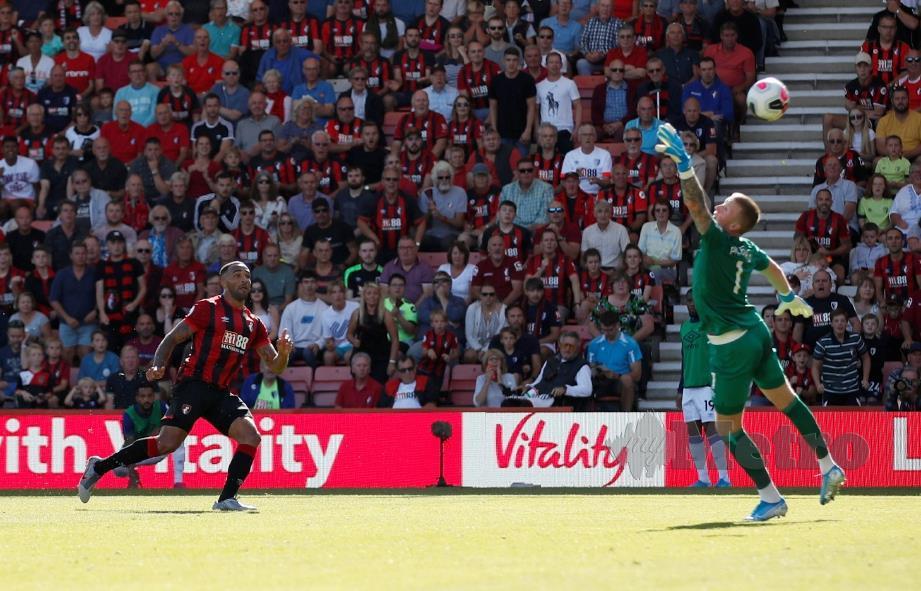 WILSON menjaringkan golnya yang ketiga ketika menentang Everton.
